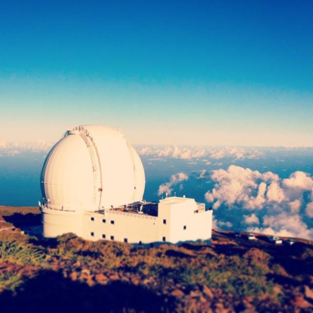 Vi skulle egentlig besøke William Herschel-teleskopet, men de var opptatt med å teste ut noen nye instrumenter, så vi fikk bare sett utsiden.