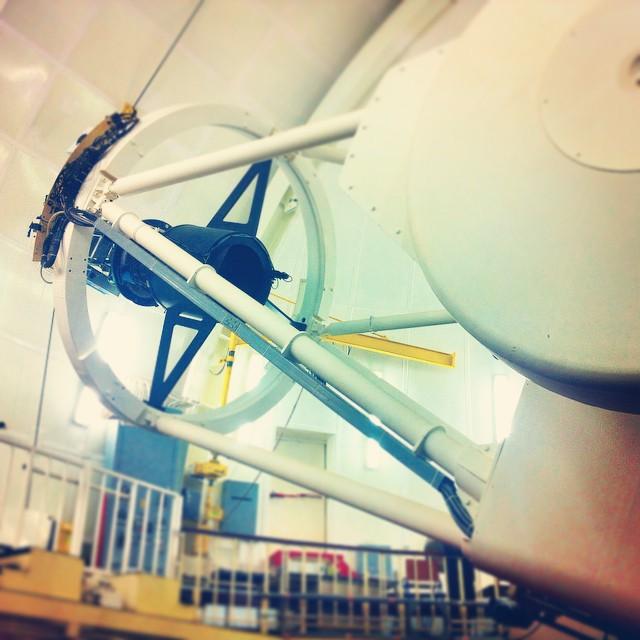 I stedet stakk vi bort til Isaac Newton Telescope, som jeg dessverre ikke har bilde av utenfra. Men her er i alle fall selve teleskopet!