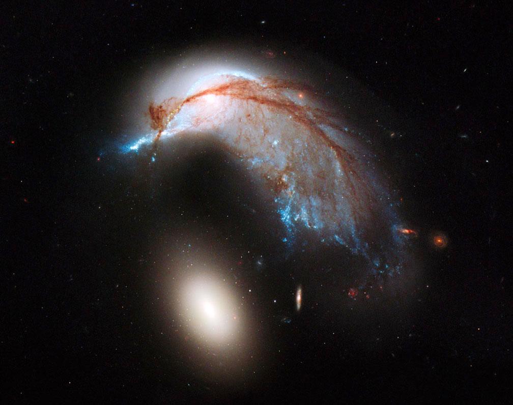 Hubble image of Arp 142