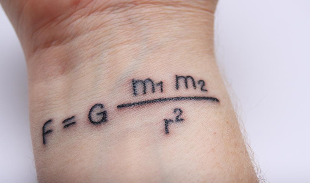 tattoo-newton-gravitation