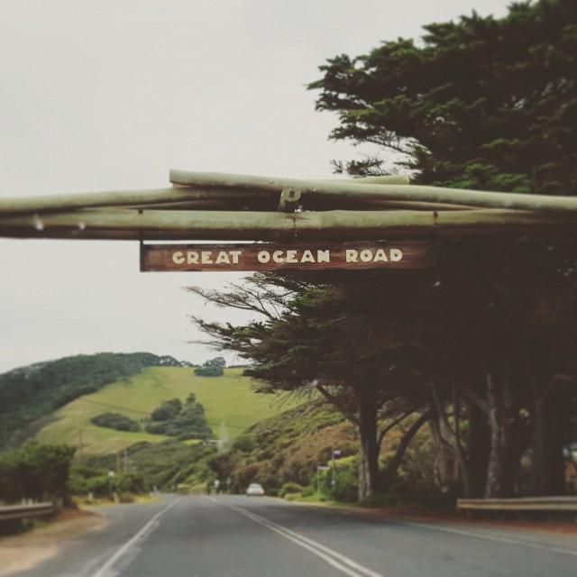 greatoceanroad_sign