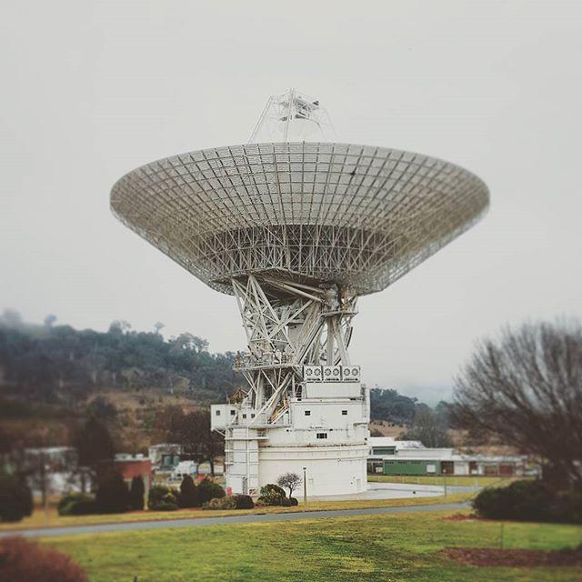 canberradeepspace-telescope-dish