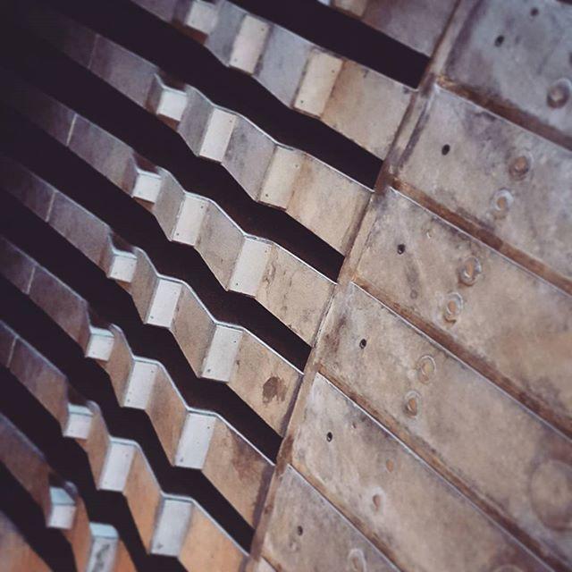 sydneyoperahouse-detail-concrete