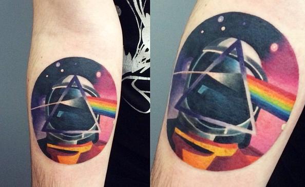 tattoo-astronaut-rainbow-prism