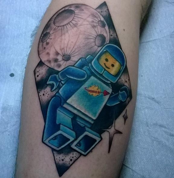tattoo-benny-lego-moon